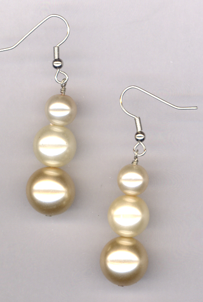 triple creme pearl 3 earrings