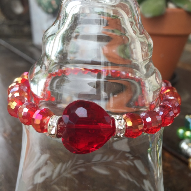 Crimson Crystal Heart Stretch Bracelet