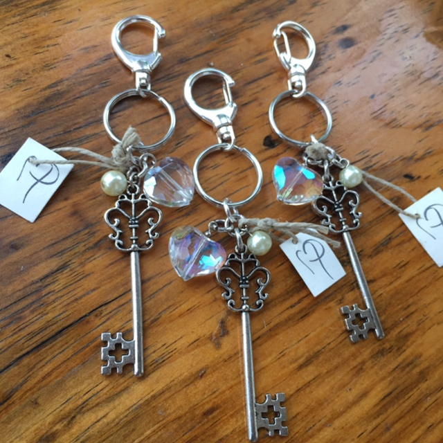 Key to my heart crystal swivel purse charm