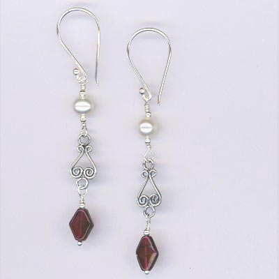 Garnet Pearl Bali Silver earrings