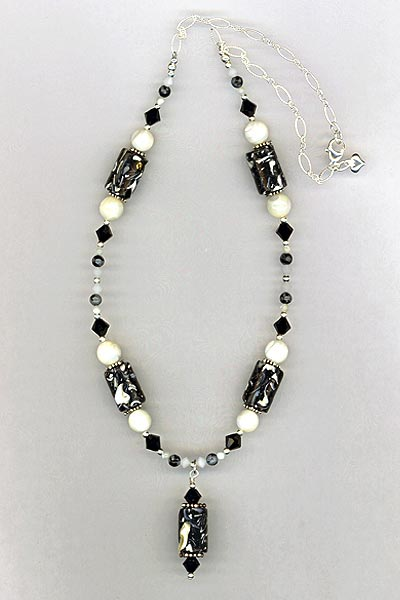 Black white MOP Necklace
