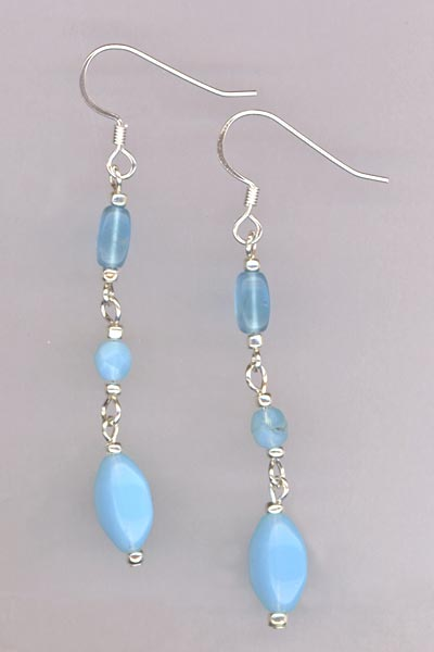 aqua blueglass  dangle earring