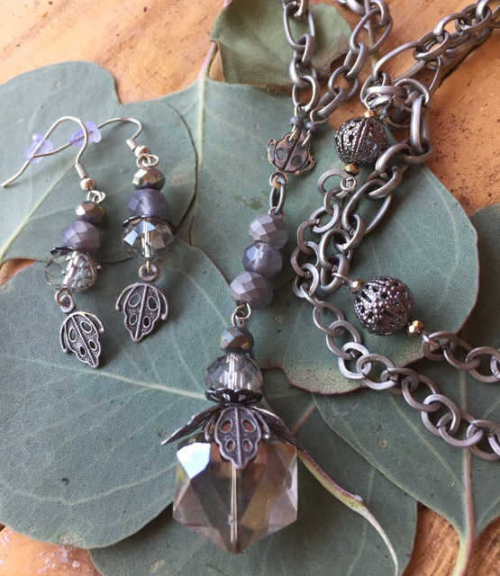 Matte Grey Filigree Crystal Silver Jewelry Set