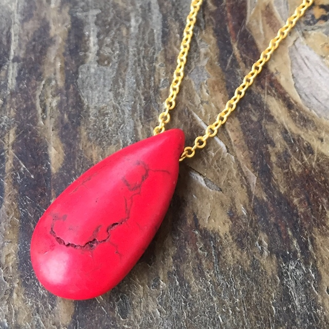 Red Turquoise Howlite Teardrop gold plated necklace